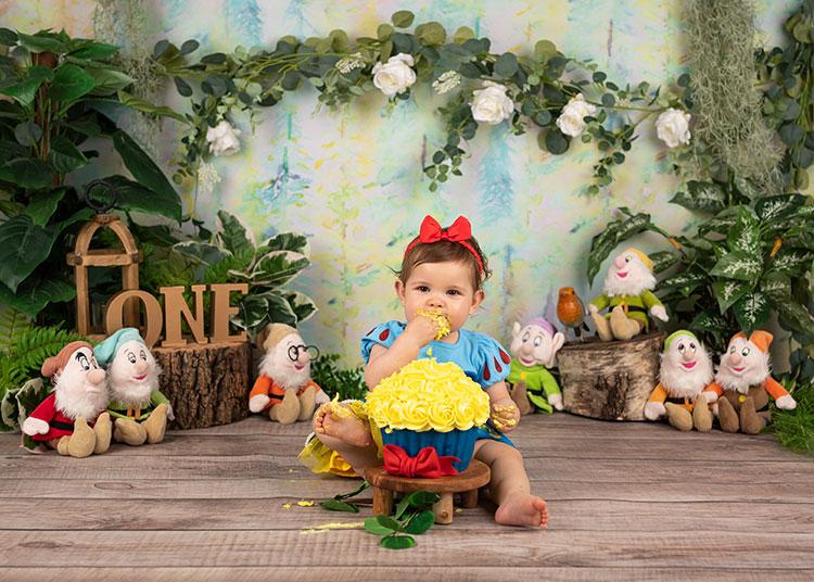sneeuwwitje cakesmash smashshoot cakesmashrotterdam cakesmashdenhaag cakesmashamsterdam fotograafrotterdam baby kind zwanger eersteverjaardag babyfotograaf